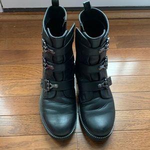 So Moto zip side boots